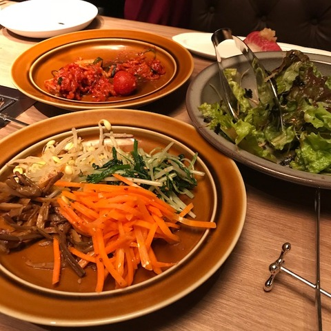 焼肉屋の野菜ども