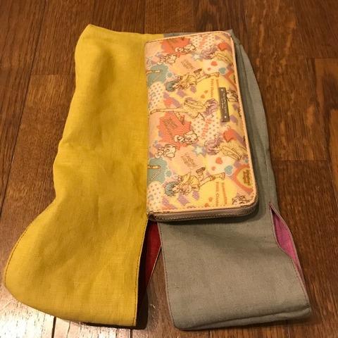 スマホも財布もまとめてヴェルソデザインhappybag4