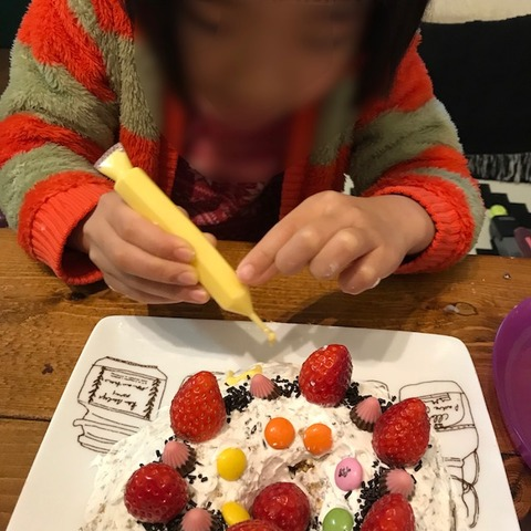 子どもと一緒に手作りケーキ7