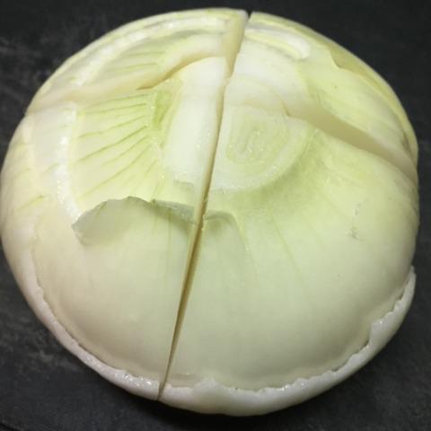 新玉ねぎの丸ごとレンジ蒸し作り方2