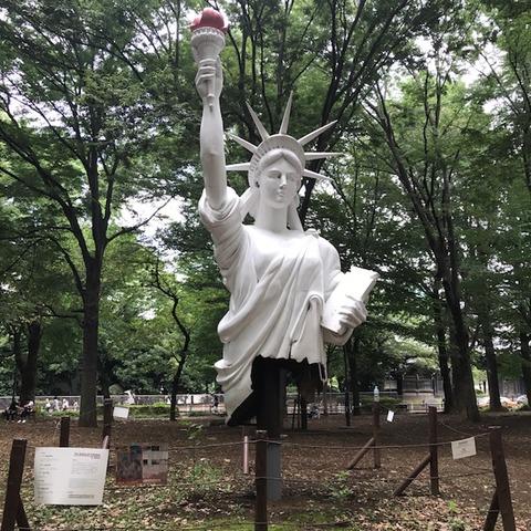 上野公園内自由な女神