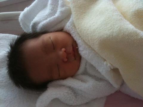 生まれた当日の赤ちゃんの髪型