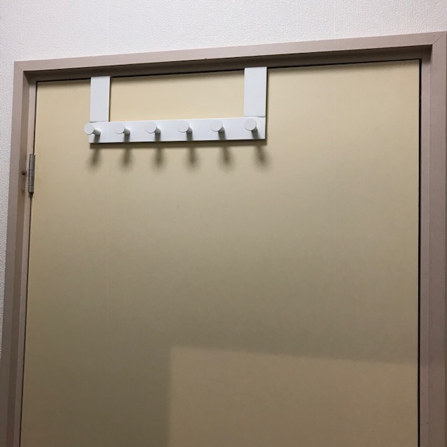 IKEAドア用ハンガーエヌーデン扉上部のすき間は2ミリ以上
