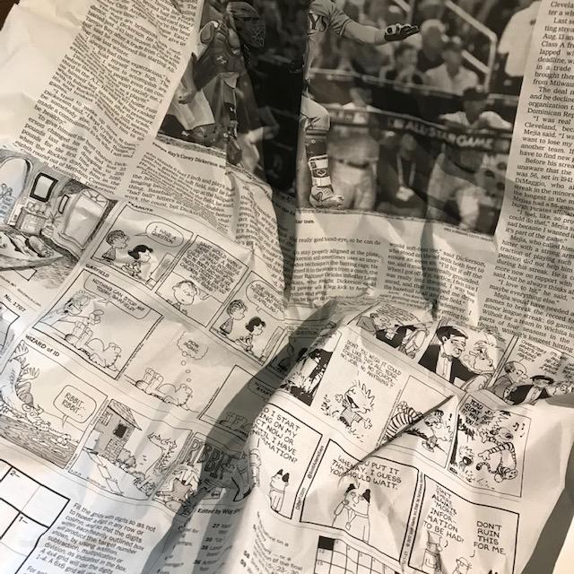 ぱんくまさん緩衝材に英字新聞