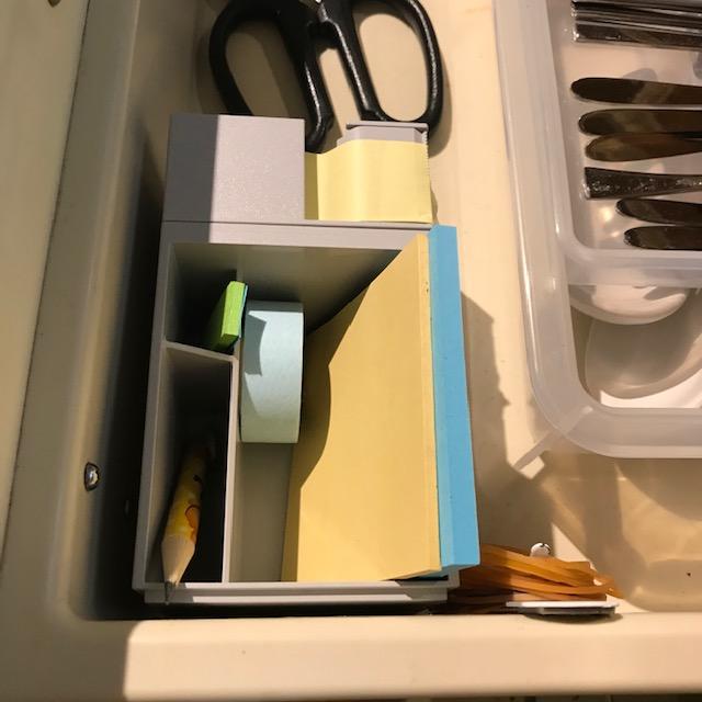 キッチンの引き出しにマスキングテープも収納