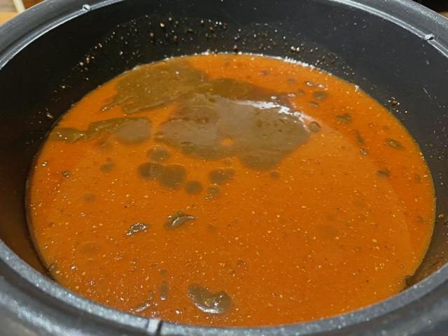 黒から鍋の素色味