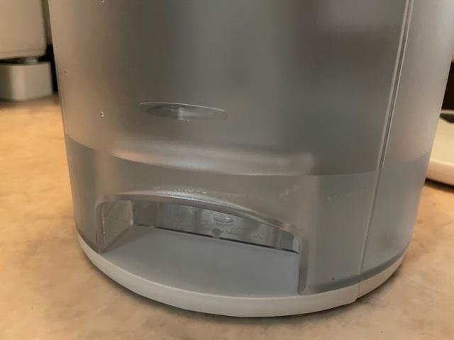 コロナ衣類乾燥除湿機CDP63Aたまった水
